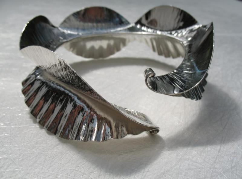 Ruff Cuff, silver